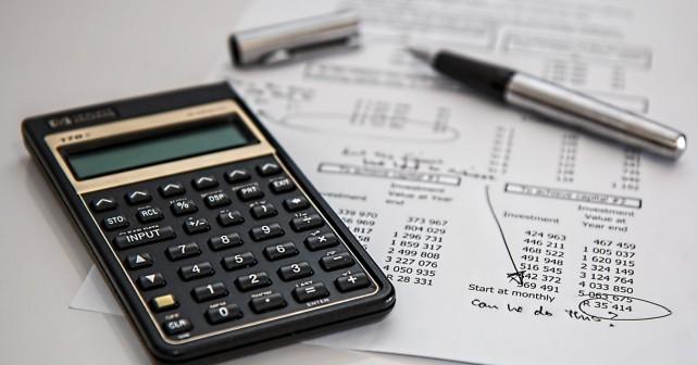 Podatki i kalkulator
